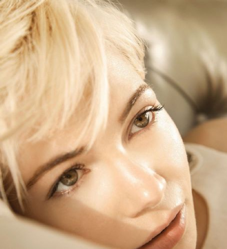 Michelle Williams_Angeleno Magazine