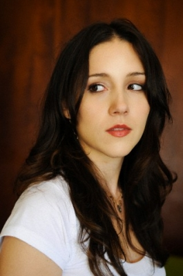 Shannon Woodward, photo shoot